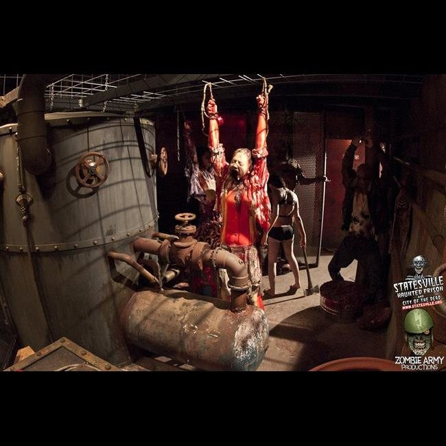 Cheap Haunted Houses Chicago Il: Statesville Haunted Prison®