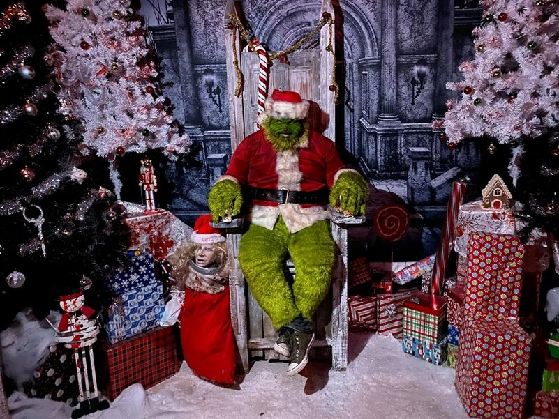 December S Friday The 13th Weekend And Holiday Season Packed With